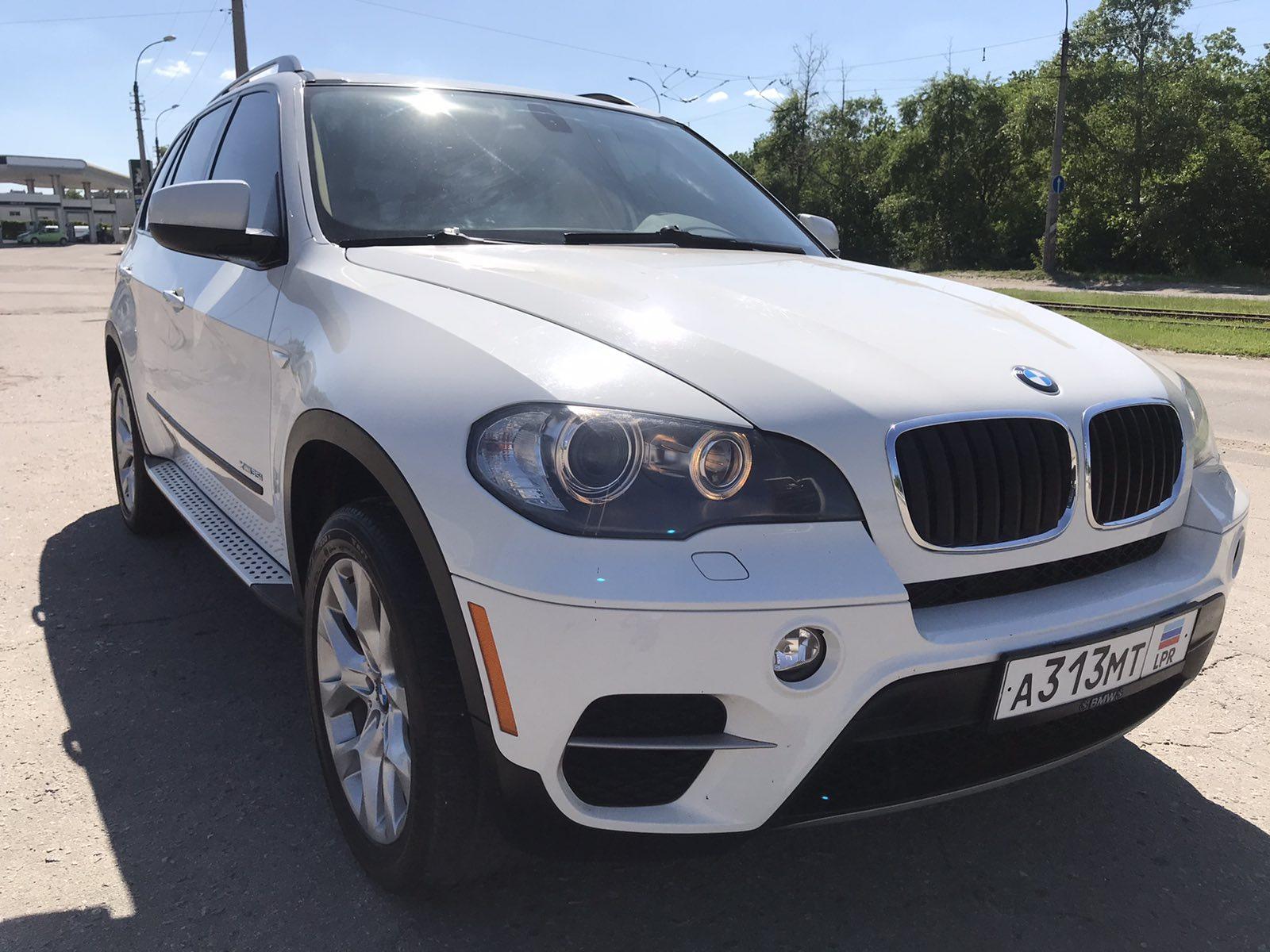 Фотографии BMW X5 X-Drive в автосалоне Автомир