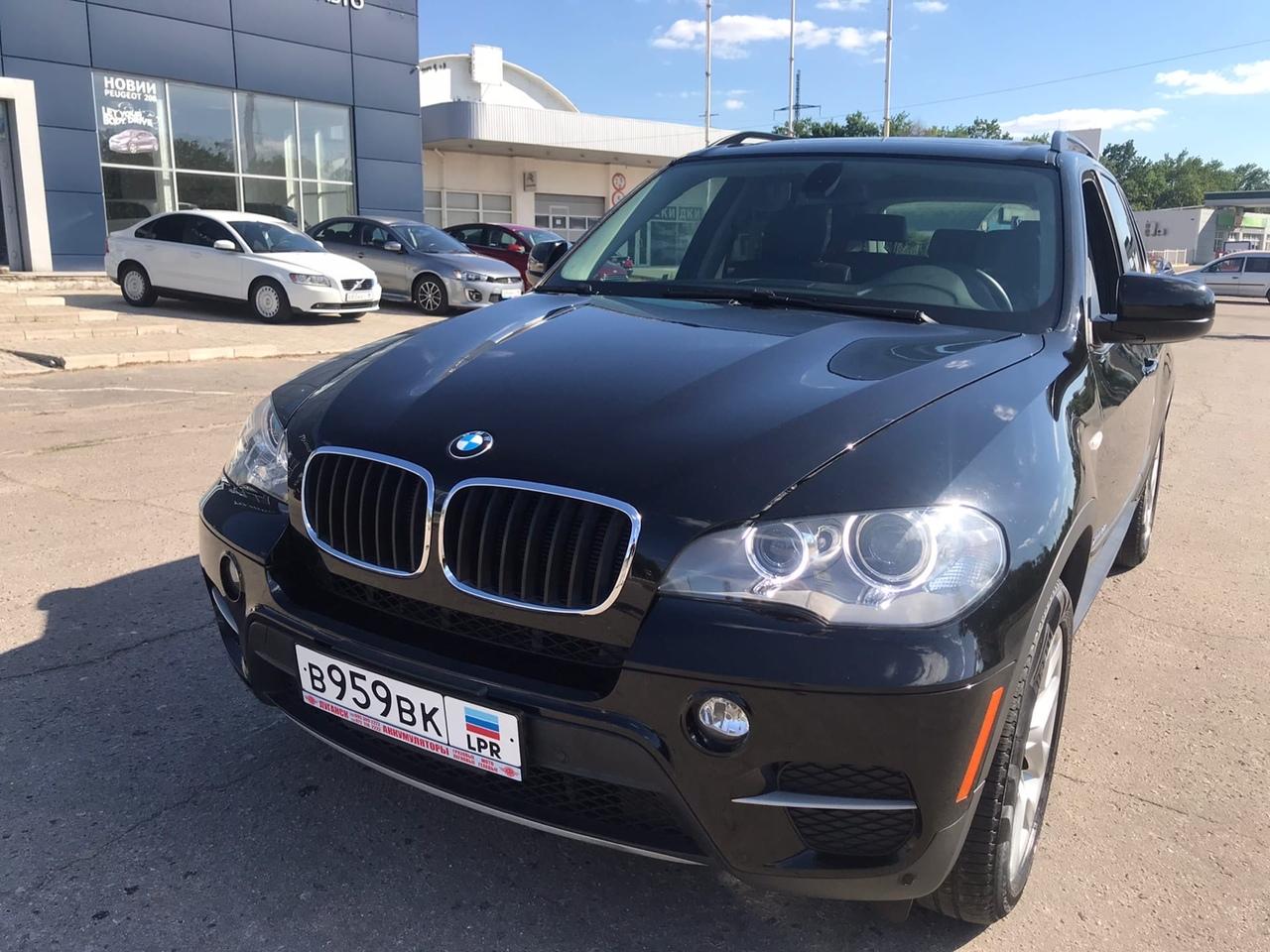 Фотографии BMW X5 35i X-Drive в автосалоне Автомир